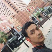 Gunawan Sudrajat selalu menyempatkan diri untuk berolahraga, sekali pun sedang berjalan-jalan ke luar negeri.