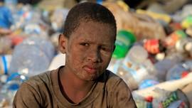 FOTO: Pengungsi Yaman Hidup dari Mengais Sampah