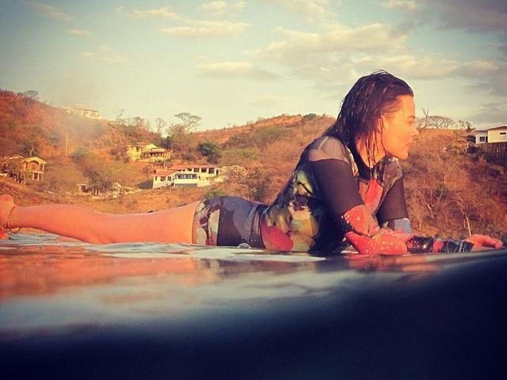 Foto: Si Cantik Margot Robbie yang Doyan Olahraga Air