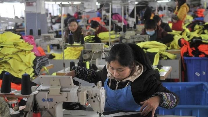 Human Rights Watch menemukan 19% iklan lowongan pekerjaan sipil di China berspesifikikasi 'hanya untuk pria', 'pria lebih disukai', atau 'cocok untuk pria'.