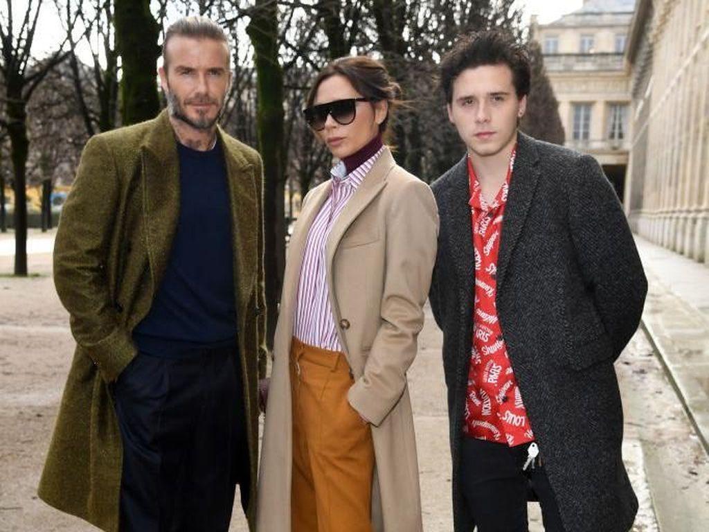 Family Goals! Gaya Kompak Keluarga Beckham di Show Louis Vuitton