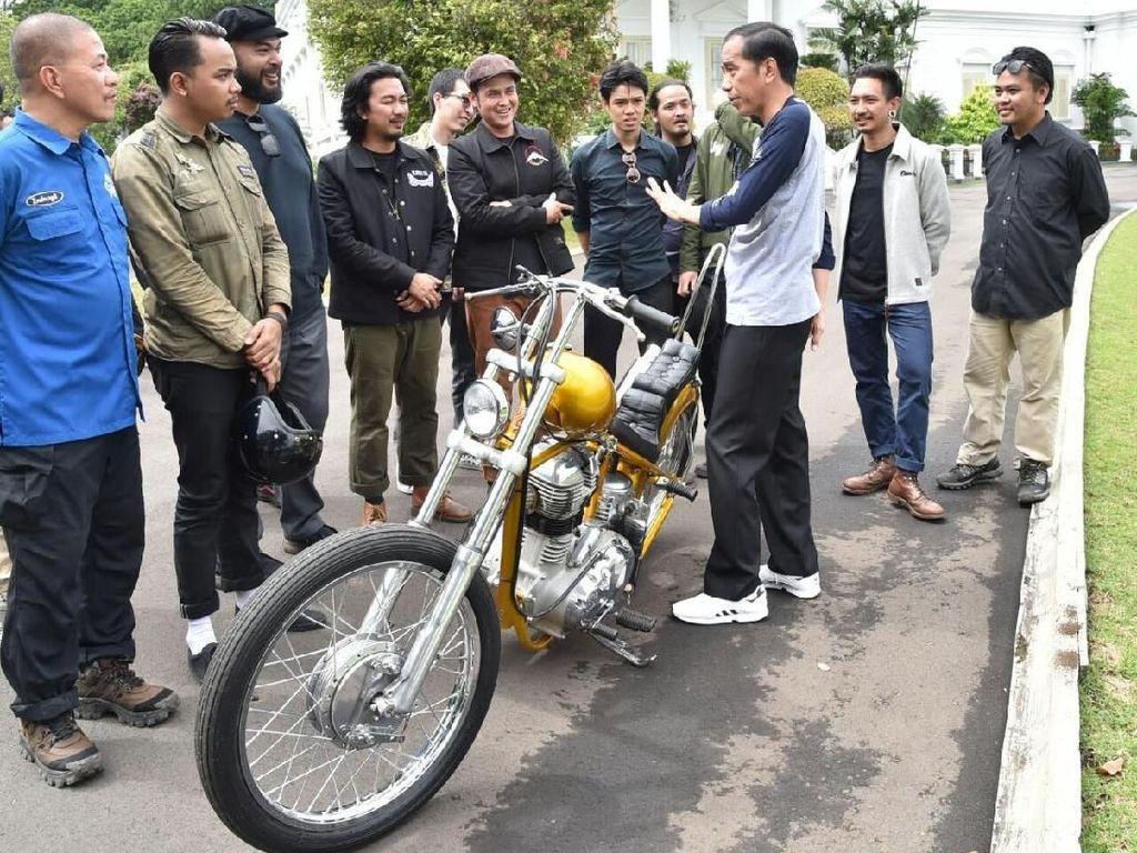 Jokowi merogoh dari kocek pribadinya untuk membeli motor dengan kapasitas mesin 350 cc tersebut.