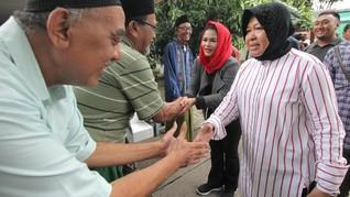 Cara Risma Kenalkan Puti Sukarno ke Warga Surabaya
