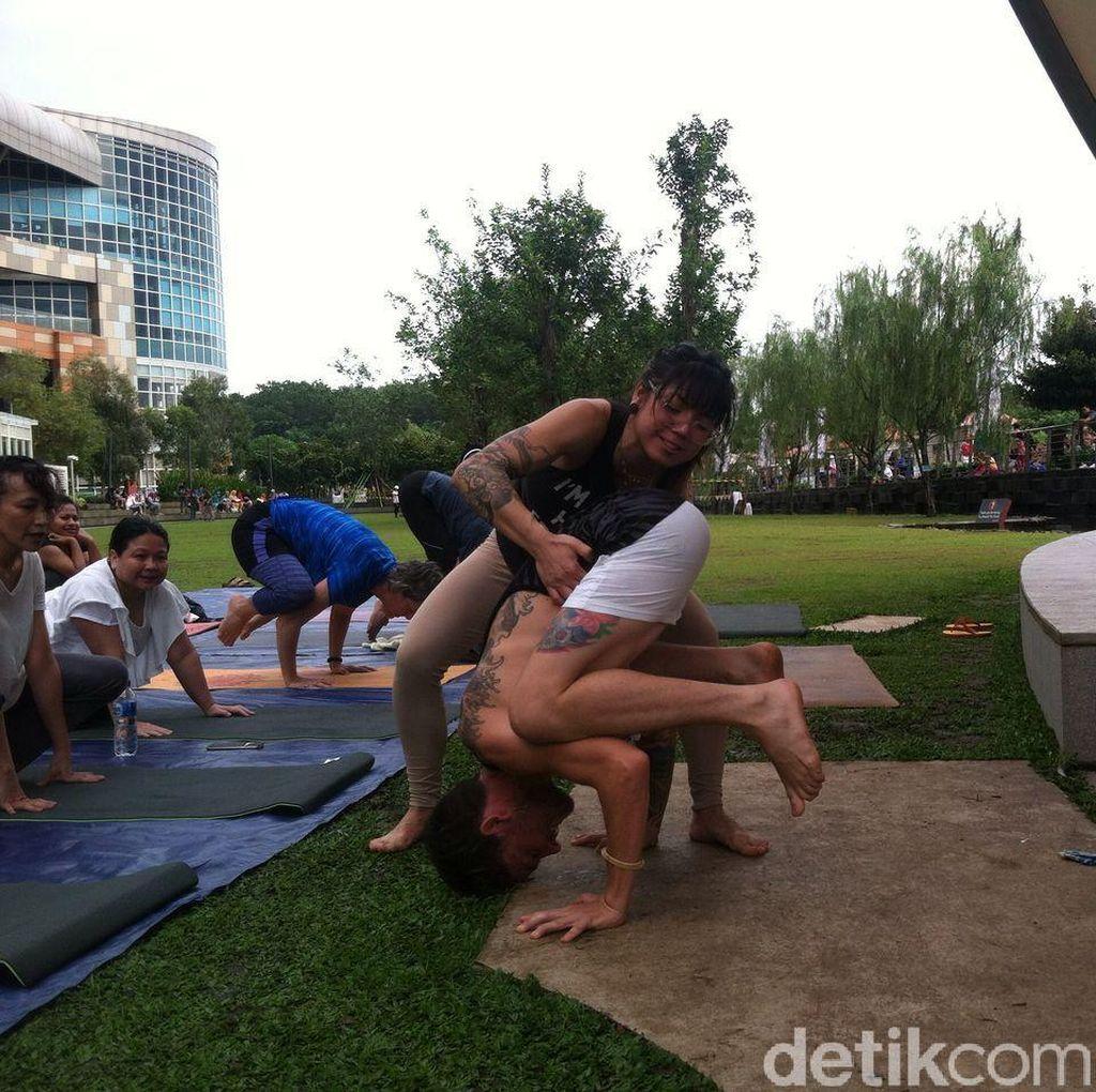 Serunya Yin Yang Yoga, Tengok Yuk Seperti Apa Gerakannya