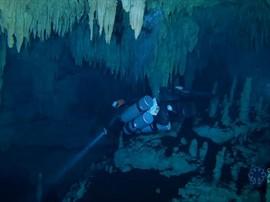 VIDEO: Gua Bawah Laut Ditemukan di Meksiko