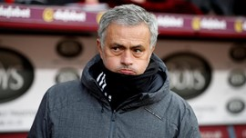 Mourinho: Sanchez Kian Dekat ke Manchester United
