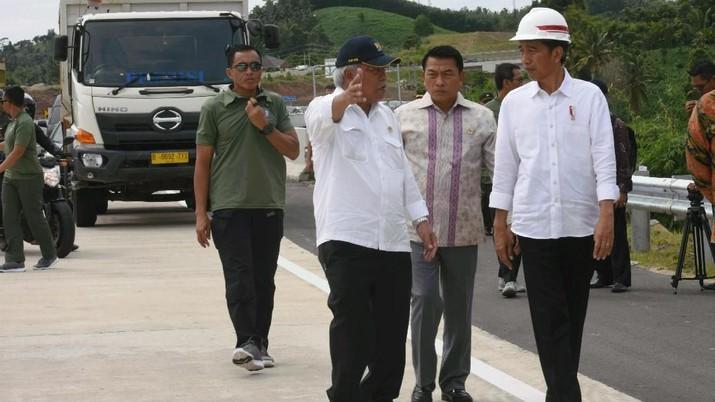 Presiden meminta proyek jalan tol Bakauheni - Terbanggi Besar dapat diselesaikan sebelum Asian Games 2018