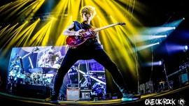 Konser Ed Sheeran Dipanaskan One OK Rock dan 'Indonesia Raya'