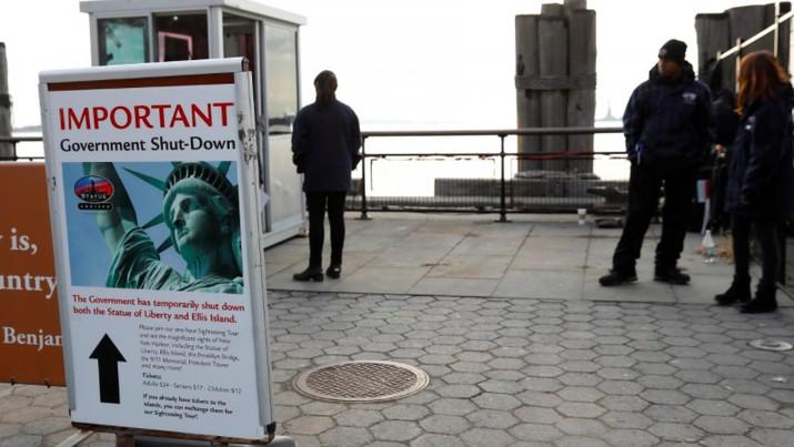 Gubernur New York yakinkan Patung Liberty akan kembali dibuka untuk wisatawan walaupun pemerintahan AS tutup