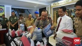Polisi Segel Tiga Usaha Cuci Baju Pencemar Sungai Citarum