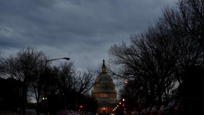 Ribuan pegawai negeri di AS khawatir akan kepastian gaji mereka menyusul government shutdown