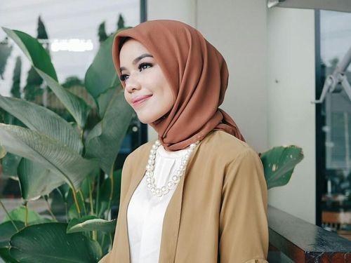 Ini Bedanya Hijab Segi Empat Voile dan Polycotton yang Hits di 2018 1