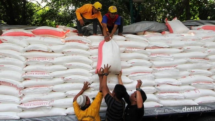 RI Jadi Importir Terbesar Gula di Dunia, Apa Kata Petani?