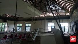Atap Sekolah di Pandeglang Ambruk karena Gempa Lebak