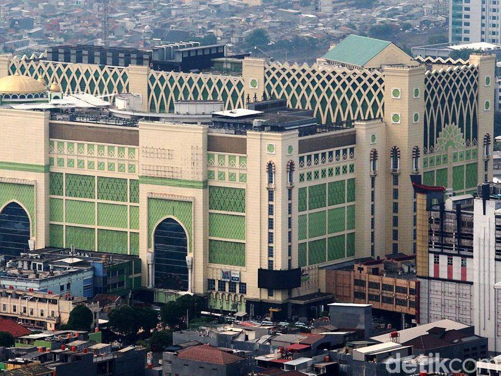 Wakil Gubernur DKI Jakarta Sandiaga Uno pernah mengatakan ingin menjadikan Pasar Tanah Abang menjadi pusat perbelanjaan seperti Grand Bazaar di Istanbul, Turki. Sebab, Sandi menyebut dua pasar itu punya kemiripan. Ari Saputra/detikcom.