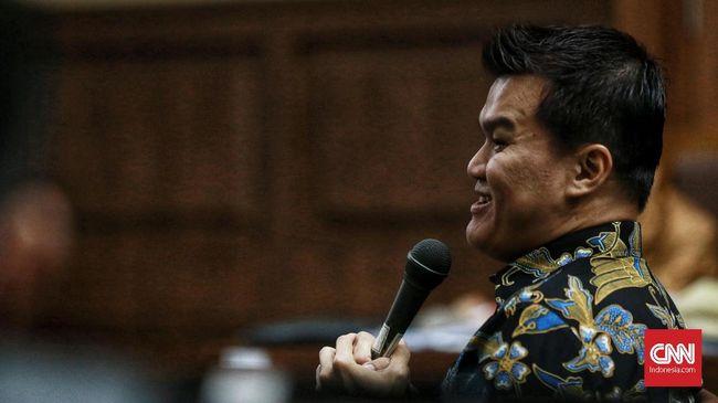 Setnov Disebut Suruh Irvanto Bagi Duit e-KTP ke Anggota DPR