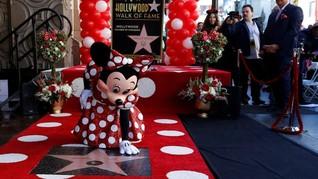 Penantian 90 Tahun Minnie Mouse untuk Bintang Hollywood