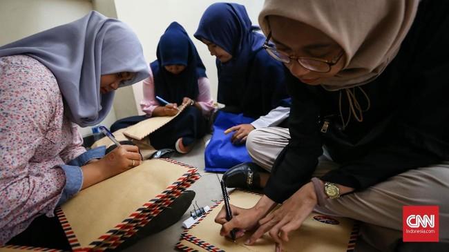 Dari 10 lulusan perguruan tinggi, hanya tiga atau empat orang yang sesuai kebutuhan dunia usaha dan industri. (CNN Indonesia/Safir Makki)