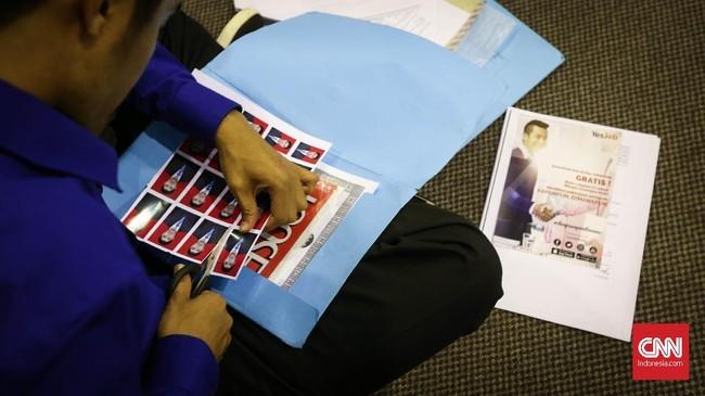 Sejumlah ekonom menilai pertumbuhan ekonomi saat ini tak mampu menjadi solusi permasalahan tingkat pengangguran terbuka di Indonesia. (CNN Indonesia/Safir Makki)