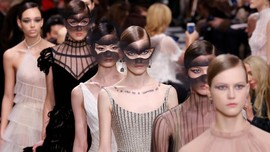 Feminisme, Surealisme, dan Haute Couture Dior