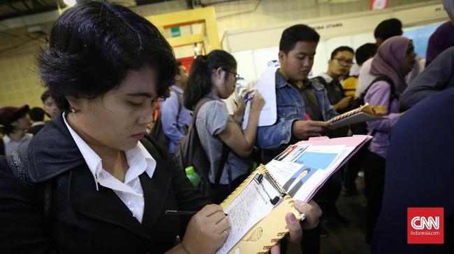 Pertumbuhan perekonomian terbukti tidak sejalan dengan penyerapan tenaga kerja dalam jumlah yang optimal. CNN Indonesia/Safir Makki