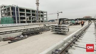 Ditunda Sementara, Anies Pastikan Proyek LRT Tak Molor
