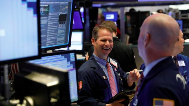 Yield Obligasi Turun, Wall Street Menguat