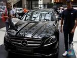 Bisnis Mercedes-Benz Terpukul Melemahnya Rupiah