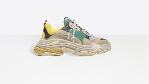 Pindahkan Pabrik Sneakers dari Italia ke China, Balenciaga Diprotes Pelanggan