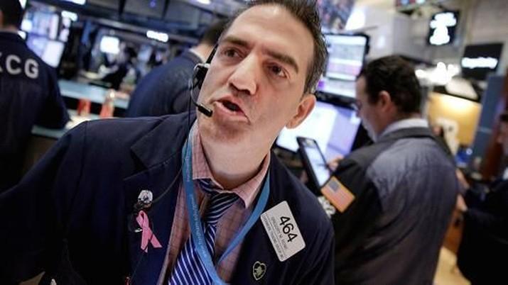 Dikipasi Powell, Dow Jones Sempat Sentuh Rekor Baru di 27.000