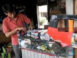 Pengrajin Mainan Lokal yang Terlupakan