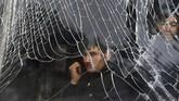 Ledakan terjadi hanya berjarak sekitar 500 meter dari Kedutaan Besar Republik Indonesia (KBRI) di Kabul, Afghanistan. (REUTERS/Omar Sobhani)