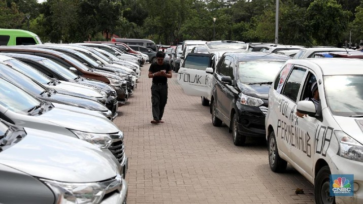 Kemenhub Usul Biaya Izin Taksi Online Turun Jadi Rp 1,5 Juta