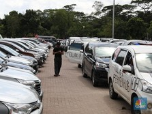 Driver Taksi Online Over Supply, Picu Kredit Macet Mobil