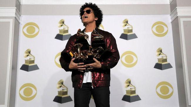 Bruno Mars Siapkan 24 Ribu Makanan untuk Amal Thanksgiving