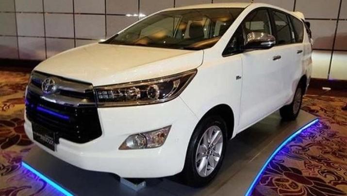 Ilustrasi Toyota Innova