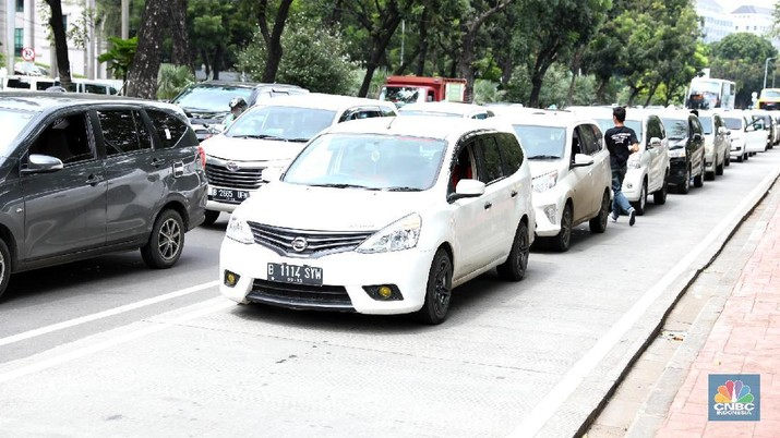 Setelah aturan ojek online berlaku 1 Mei 2019, aturan taksi online juga sudah belaku sejak 1 Juni 2019.