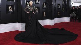 FOTO: Busana Terbaik di Karpet Merah Grammy Awards 2018