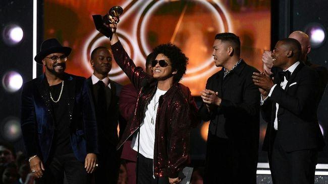 Bruno Mars Raih Song of the Year Grammy Awards 2018