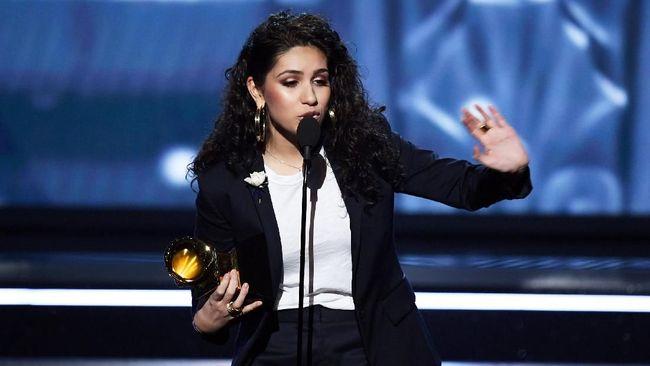 Allesia Cara Jadi Artis Pendatang Baru Terbaik Grammy 2018
