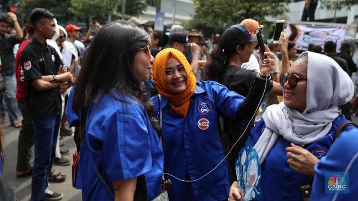 Sudahkah perempuan mendapat perlakuan yang setara dalam kegiatan ekonomi di Indonesia?