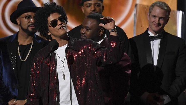 Bruno Mars Sapu Bersih Penghargaan Utama Grammy Awards 2018