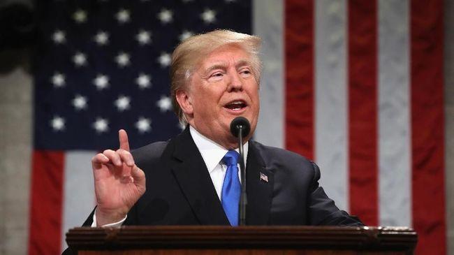 Trump Resmi Teken Tarif Impor Baja dan Aluminium