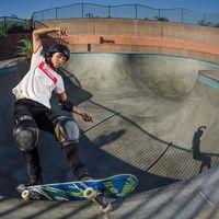 Lizzie Armanto membuktikan skateboard bukan hanya milik kaum pria. (Foto:instagram/LizzieArmanto)