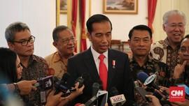 Jokowi Sebut Lartas Impor Cuma 'Akal-akalan' Spekulan