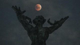 Pengaruh Gerhana Bulan dan Supermoon 2019 Pada Zodiak