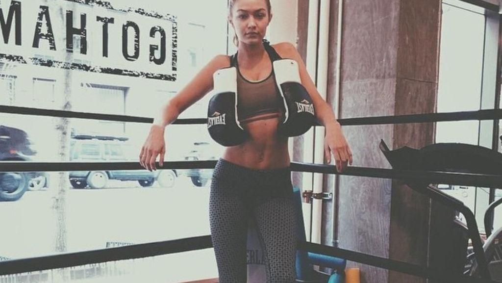 Potret Saat Supermodel Seksi Gigi Hadid Olahraga Boxing