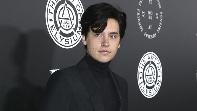 Cole Sprouse 'Riverdale' Bintangi Romansa 'Five Feet Apart'
