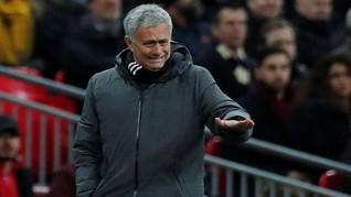 Mourinho Kritik Jadwal Liga Inggris Mepet dengan Piala Dunia