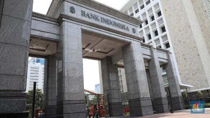 Presiden dan Wakil Presiden tengah mempertimbangkan gubenur baru Bank Indonesia (BI).